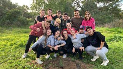 Los colegios de Mallorca participan en la campaña planta un árbol