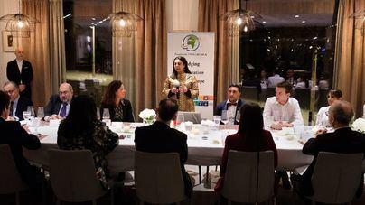 La embajadora de Marruecos en España promueve lazos económicos y culturales con las islas