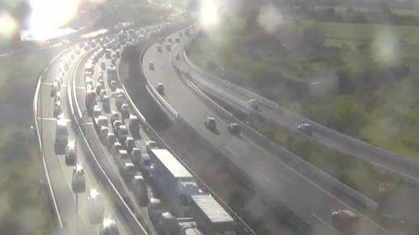 Colapso en los accesos a Palma por un accidente en la Autopista de Llucmajor