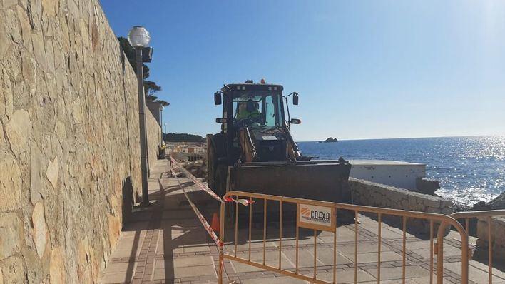 Capdepera inicia las obras de reparación del paseo de Cala Gat en Cala Rajada