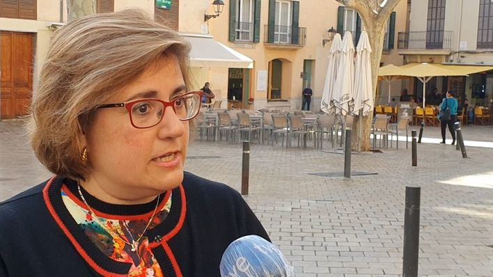 El PP pide a Cort retirar la medida que obliga a quitar cada noche el mobiliario de las terrazas