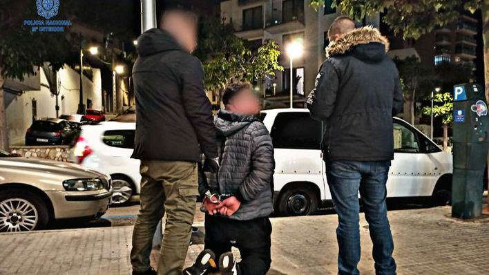 Detenidos tres italianos por el robo violento de un reloj de alta gama en Es Born