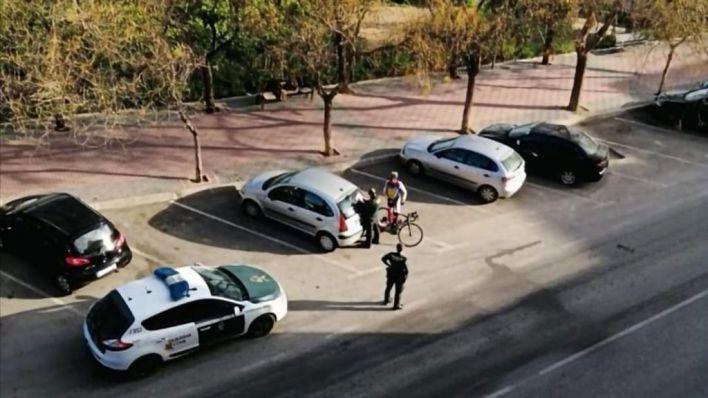 Avisos y controles policiales ante el incumplimiento del estado de alarma