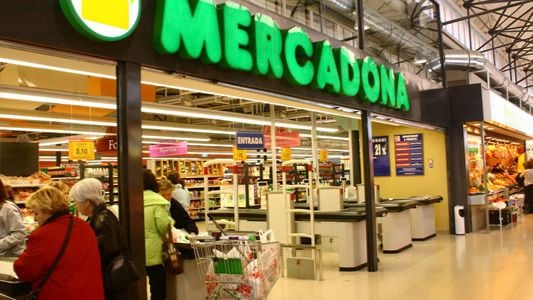 Mercadona reduce su horario y pide compras individuales por el coronavirus
