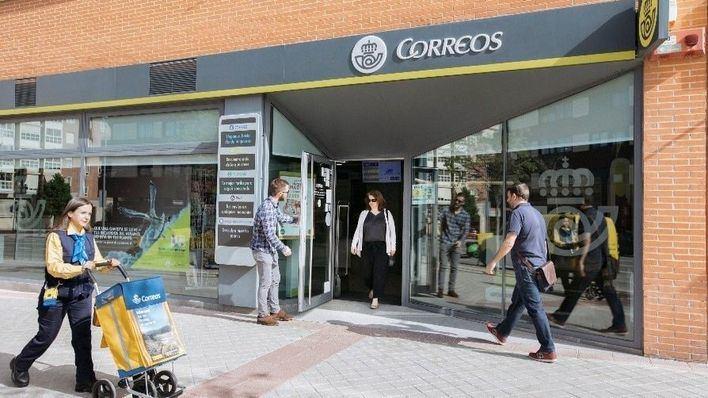 Correos abrirá tres horas al día por el coronavirus y sólo atenderá el servicio postal básico