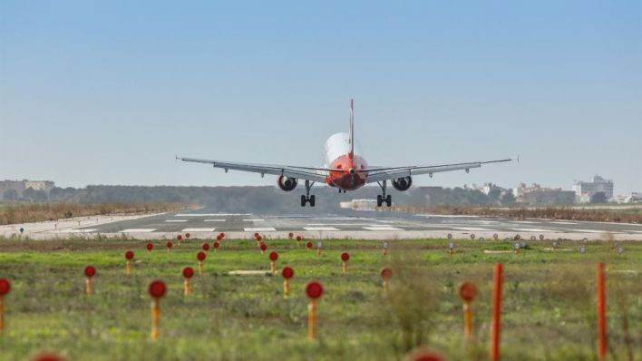 Las aerolíneas se hunden en Bolsa por el coronavirus