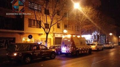 Rescate de madrugada de una persona mayor que se había caído en su casa en Palma