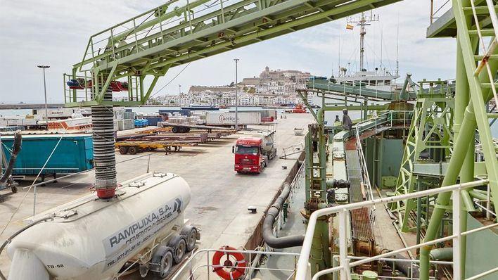 Los puertos de Baleares garantizan el abastecimiento de productos y los trámites administrativos