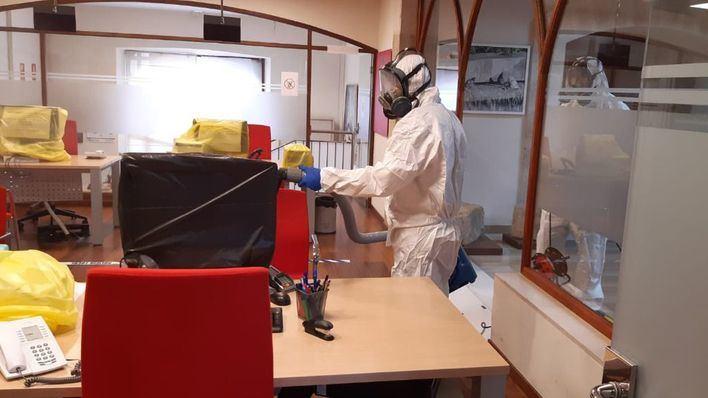 Andratx desinfecta todas las dependencias municipales por el coronavirus
