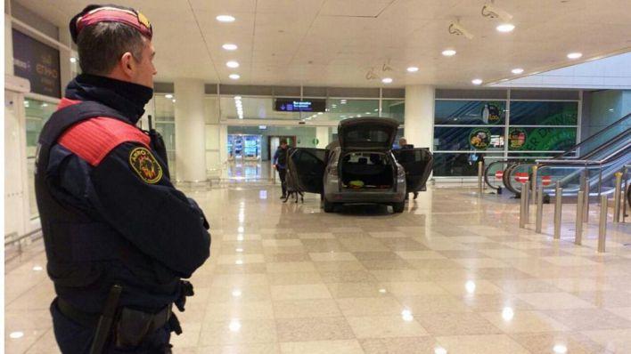 Los Mossos descartan el móvil terrorista en el incidente de El Prat: es delincuencia común