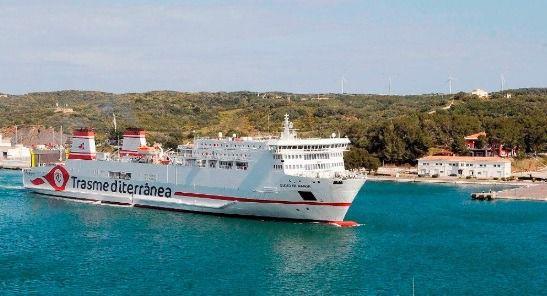 Armas Trasmediterránea garantiza el transporte de mercancías con cinco conexiones semanales entre Baleares y Península