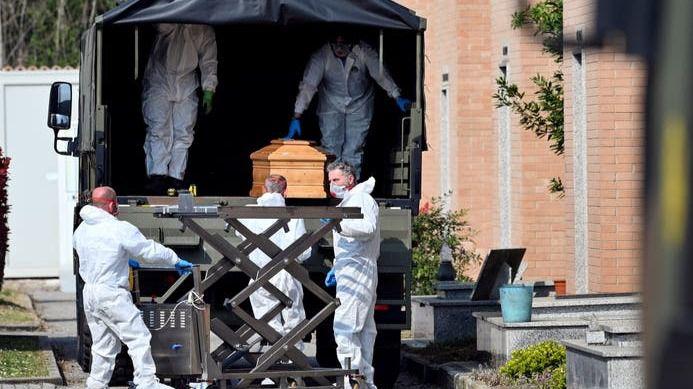Italia suma 793 fallecidos con coronavirus en apenas 24 horas