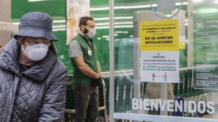 Mercadona refuerza las medidas sanitarias para proteger a trabajadores y clientes