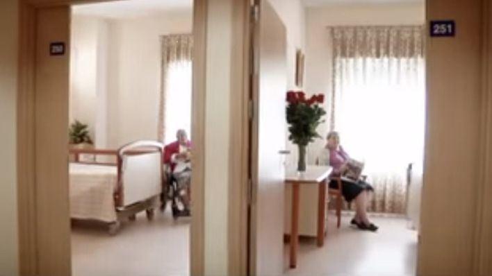 Sanidad clausura las zonas comunes de las residencias de mayores por el avance del coronavirus