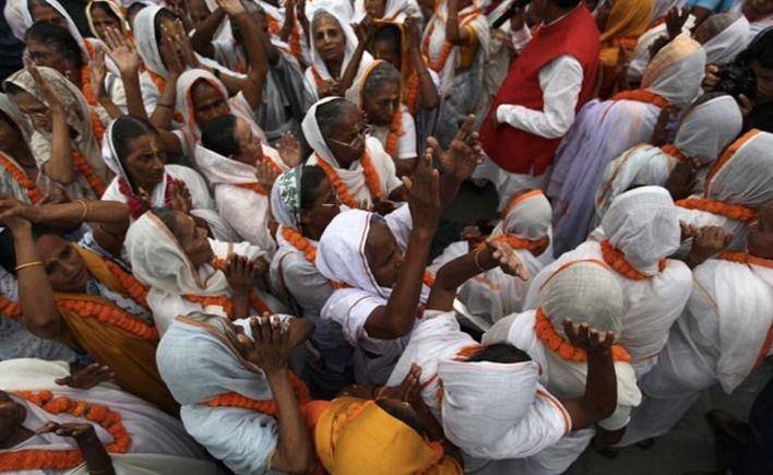 India confina a sus 1.300 millones de habitantes por el coronavirus