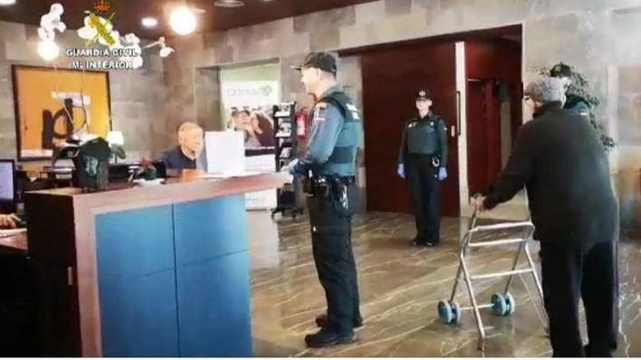Guardia Civil y Policía Nacional revisan las residencias de ancianos en Baleares