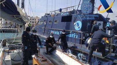 Interceptadas cuatro toneladas de hachís en aguas baleares