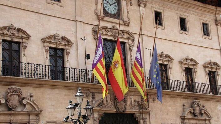 El PP de Baleares propone banderas a media asta por los fallecidos por coronavirus