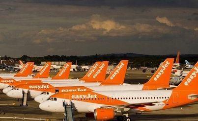 La aerolínea británica easyJet deja en tierra toda su flota de aviones