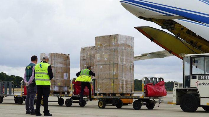 Aterriza en Palma un avión con 17 toneladas de material sanitario