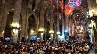 Semana Santa a puerta cerrada y por IB3 desde la Catedral de Mallorca