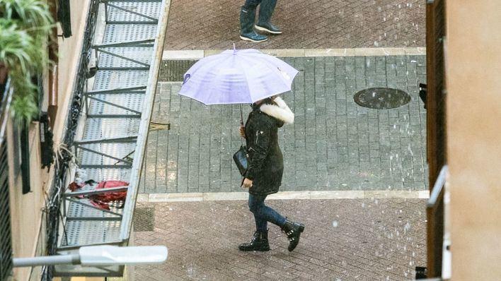 Baleares estrena abril con fuertes chubascos, tormenta y granizo