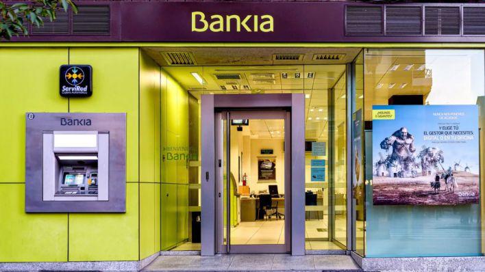 Bankia adelanta al 3 de abril el abono del paro a sus clientes