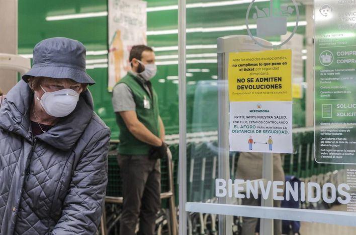 Los empleados de Mercadona llevarán gafas de protección ocular ante el coronavirus