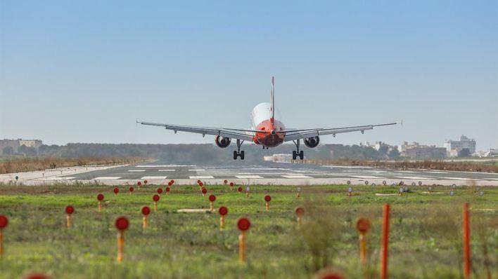 Baleares reduce el tráfico aéreo más de un 99 por ciento por el estado de alarma
