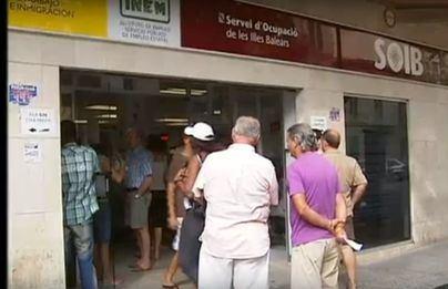 Miles de trabajadores afectados por un ERTE no podrán cobrar hasta mayo