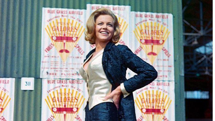 Fallece a los 94 años Honor Blackman, la 'chica Bond' que rechazó ser condecorada por Isabel II