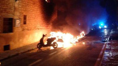 Intensa búsqueda de un pirómano que ha quemado nueve motocicletas en Sóller