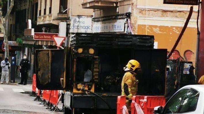 Un incendio obliga a desalojar un edificio de la calle Jeroni Antich, en Palma