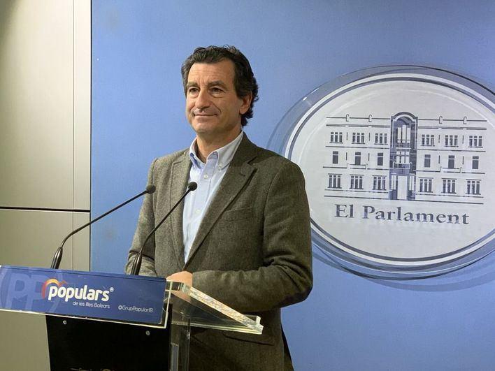 El PP pide la comparecencia urgente de Armengol en el Parlament para explicar las medidas económicas