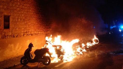 Detenido el pirómano que quemó nueve motos y un coche en Sóller