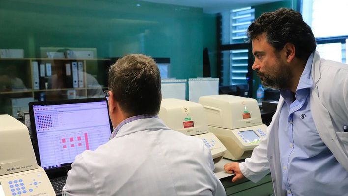 Desciende el número diario de fallecidos en España hasta 410 pero hay más de 195.000 afectados