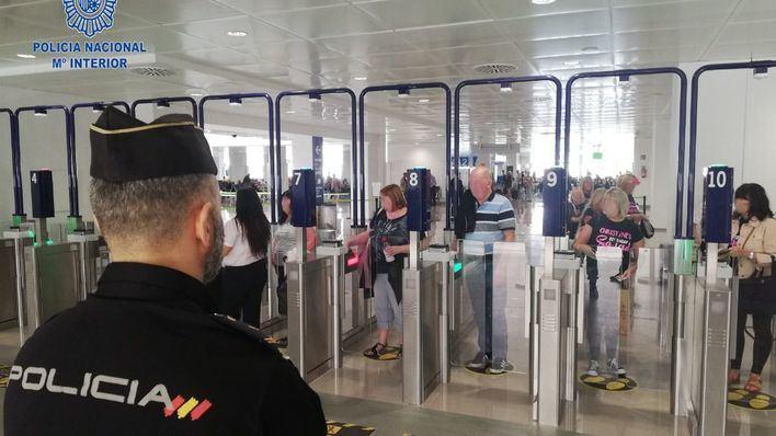 Más de 19.000 personas sometidas a controles sanitarios en los puertos y aeropuertos de Baleares