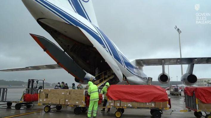 Nuevo cargamento para Baleares: 300.000 mascarillas quirúrgicas y 1,5 millones de guantes