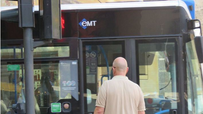 Los trabajadores de la EMT acusan a Hila de privatizar parte de la empresa