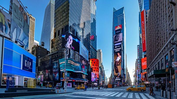Nueva York intensifica el uso de ataúdes de cartón por el elevado número de muertos por coronavirus