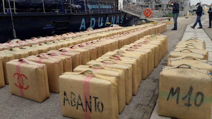 Vigilancia Aduanera de Baleares ayuda a desmantelar una red internacional que traficó 11 toneladas de hachís en veleros