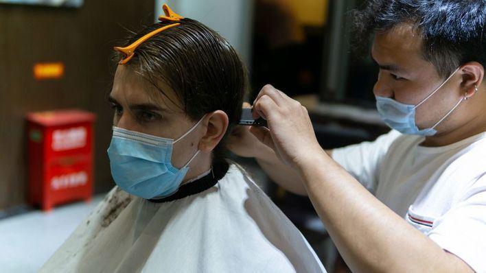 Comercios, peluquerías y restaurantes vuelven a la actividad