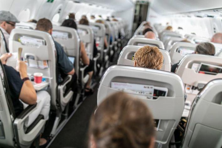 El distanciamiento entre pasajeros aumentaría hasta un 54 por ciento el coste de los billetes aéreos