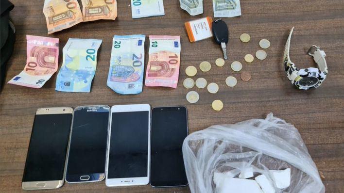 Tiran la droga a la calle para no ser cazados en Son Banya y Pere Garau