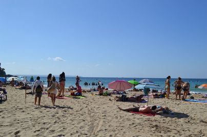 El Gobierno plantea severas limitaciones en los accesos a playas y piscinas este verano