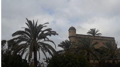 Nubes y alguna precipitación acompañada de barro en las Islas