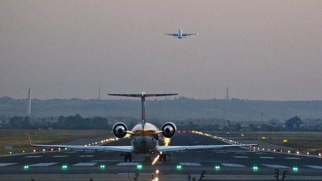 Se restablecen los vuelos comerciales entre islas a un 50 por cien de su capacidad