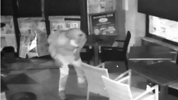 Arrestado un ladrón que usaba tapas de alcantarilla para abrir brechas y robar