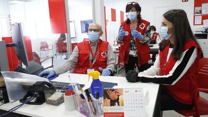 La reina Letizia, voluntaria de Cruz Roja