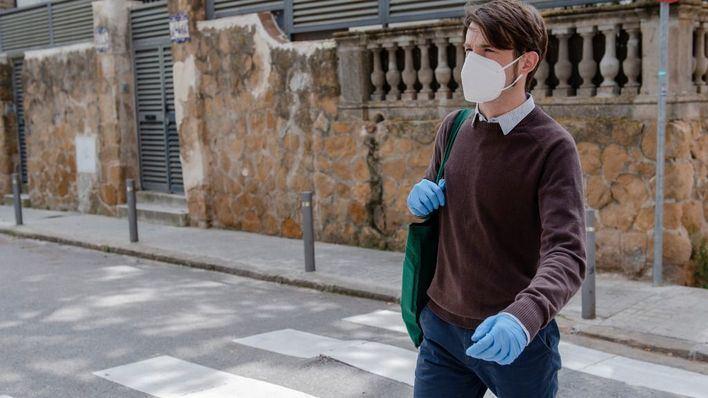 Médicos no recomiendan usar guantes y apuestan por la higiene de manos